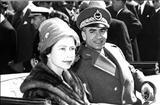 تصاویری از محمدرضا پهلوی و ملکه انگلیس