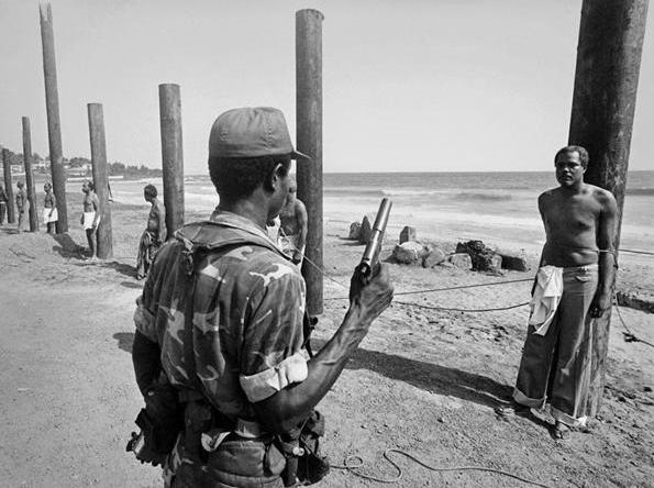 تصویری از اعدام هیئت وزیران یک دولت