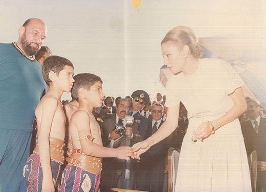 عکس/فرح پهلوی، شعبان بیمخ و یک شهید
