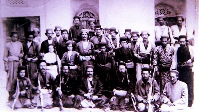علما چه زمانی لباس رزم پوشیدند