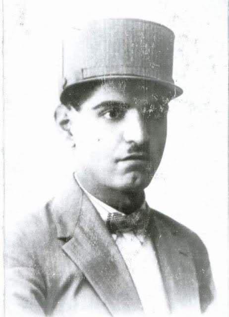 عکس/استاد شهریار با کلاه پهلوی