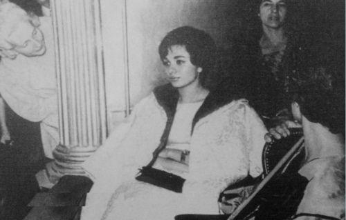 عکس/خرید جهیزیه فرح پهلوی از پاریس
