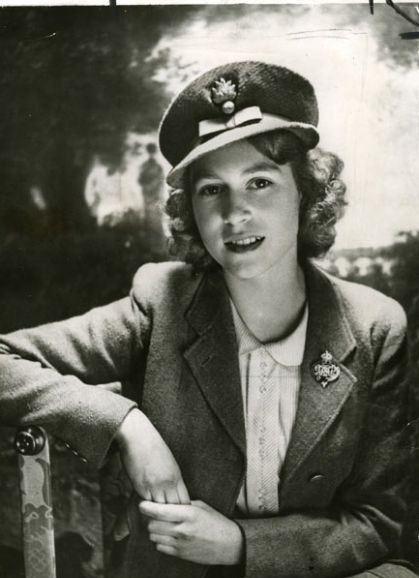 الیزابت، ملکه فعلی انگلستان در دوران جوانی
