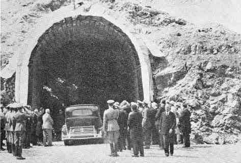عکس/افتتاح تونل کندوان در سال 1317