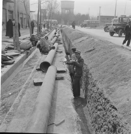 عکس/لوله کشی آب تهران دهه 30
