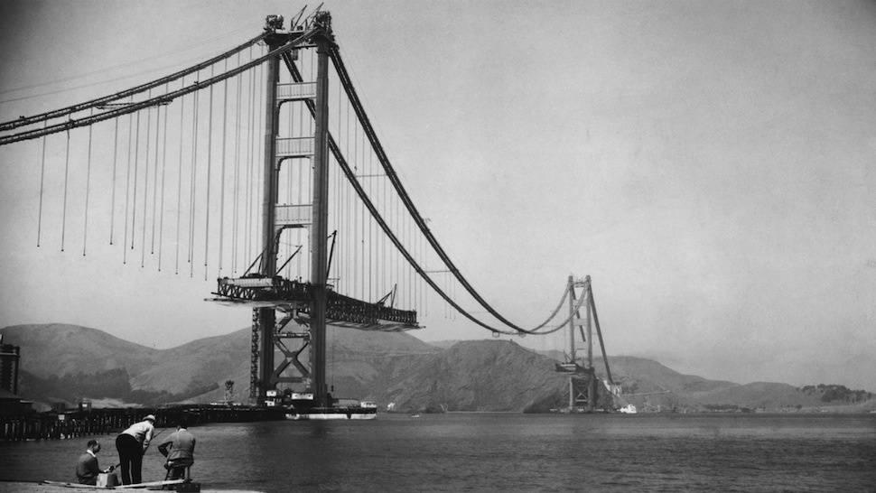 عکس/ ساخت پل دروازه طلایی