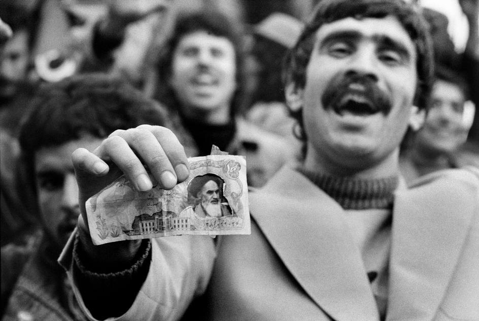 عکسی جالب از حوادث انقلاب