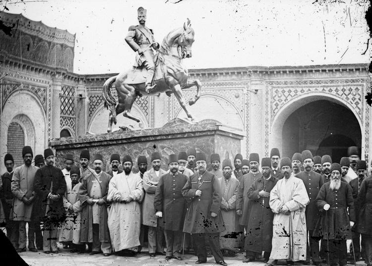 عکس/ناصرالدینشاه و اولین مجسمه تهران