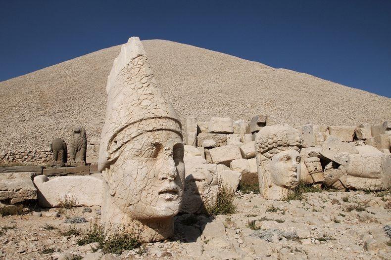 تخریب آثار باستانی شهر نمرود