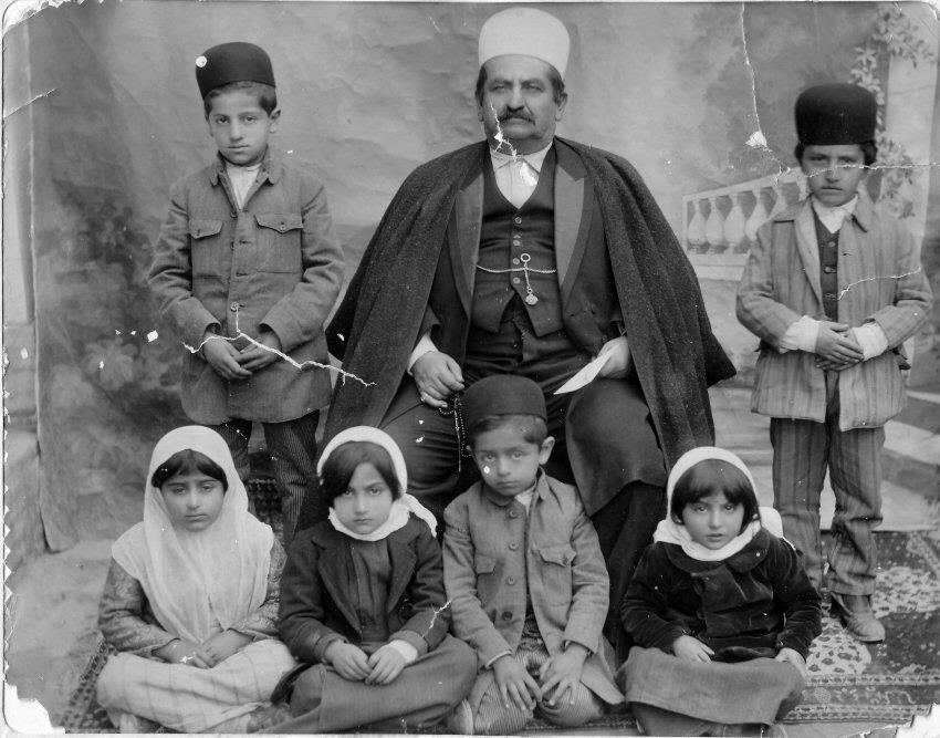 عکس/خان بختیاری با فرزندانش