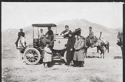 عکس تاریخی از نخستین خودرو وارد شده به ایران