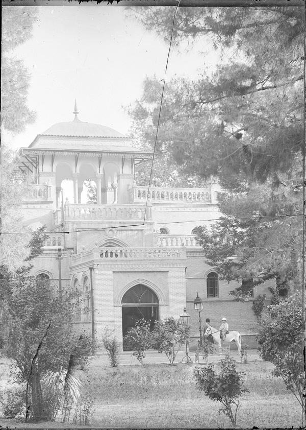 سفارت بریتانیا در زمان قاجار/عکس