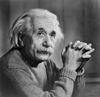حراج نامههای اینشتین درباره وجود خدا