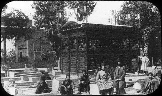 تصویری قدیمی از مقبره حافظ در قرن پیش