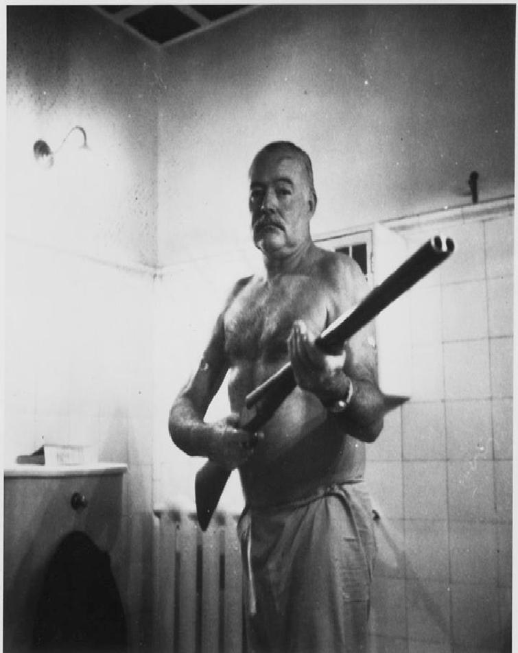 مردی که با اسلحه ، خالق قله های کلیمانجارو را کشت