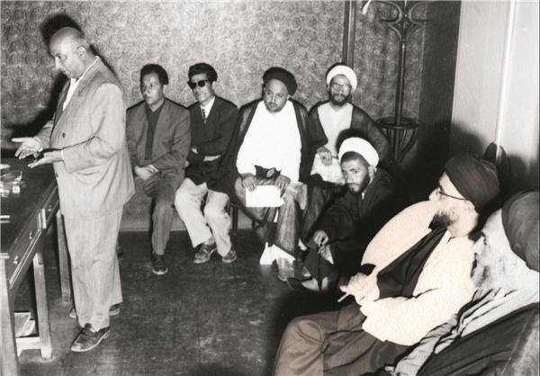 آیتالله طالقانی در دادگاه فدائیان اسلام+عکس