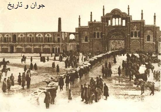 عکس/عیدی درباریان به شاه قاجار