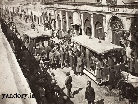 حرکت تراموا در خیابان گاز