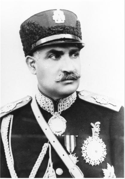 رضاخان پهلوی استعفا داد