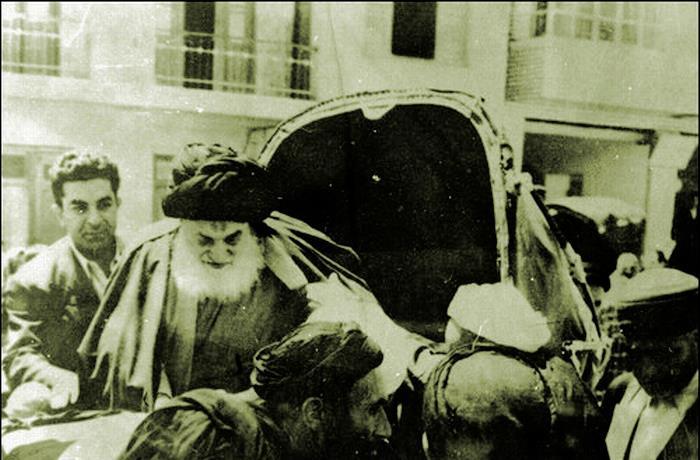 ماجرای بی اعتنایی آیت الله به حضور شاه در قم