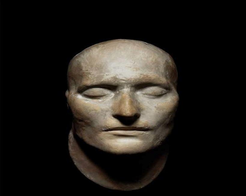 ماسکی که ناپلئون هنگام مرگ به صورت داشت + عکس
