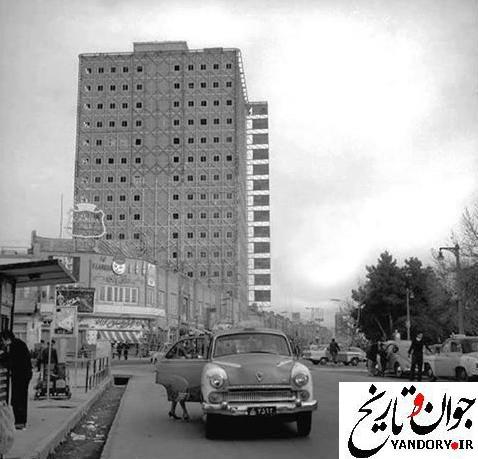 چهار راه استانبول دهه چهل/عکس