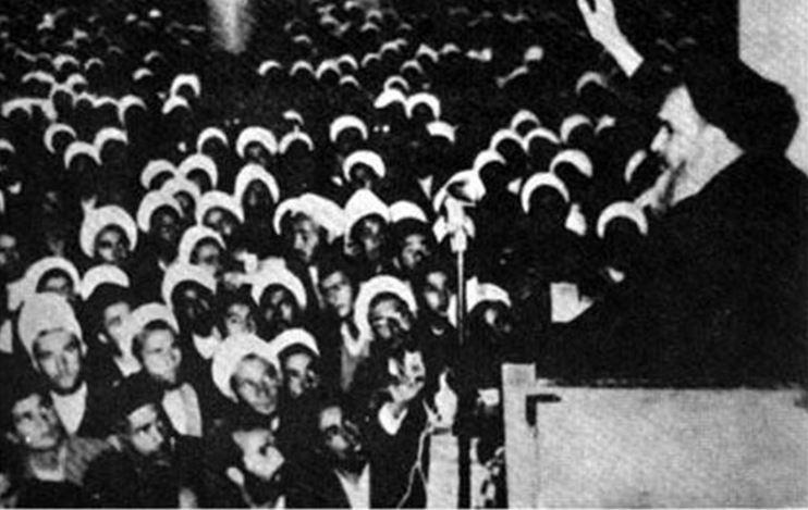 نگاهی گذرا به سیر کاپیتولاسیون در ایران