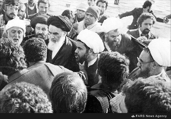 تصاویر بازگشت رهبر کبیر انقلاب به ایران