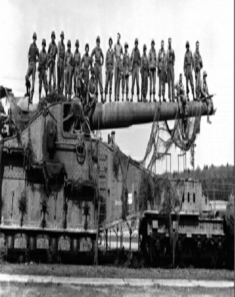 """بزرگترین سلاح تاریخ با نام """"گوستاو"""" در سال1941 را هیتلر برای شکستن دیوار فرانسه ساخت"""