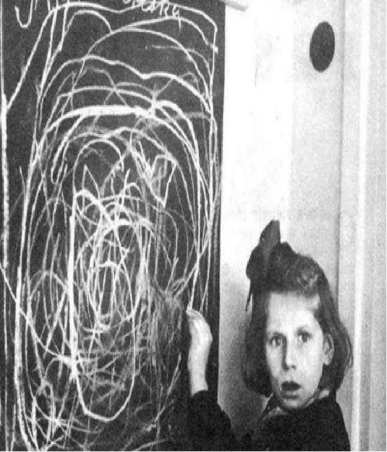 تصور یک کودک آزاد شده از اردوگاه نازی ها از خانه – 1945