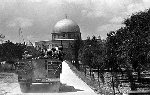 عکس/ورود سربازان اسراییلی به مسجدالاقصی