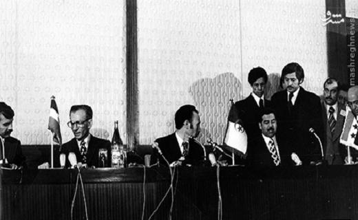 شاه و صدام پشت یک میز + عکس