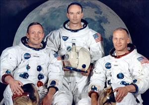 تصاویری از اولین سفر انسان به کره ماه