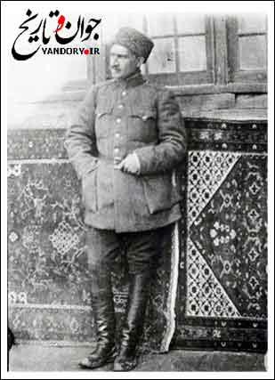 عکس دیده نشده از آخرین شاه قاجار کنار اولین شاه پهلوی
