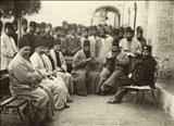 ناصرالدین شاه در کنار ولیعهد خود در سالهای پایانی عمر