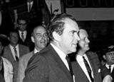 اعطای دکترای افتخاری دانشگاه تهران به ریچارد نیکسون