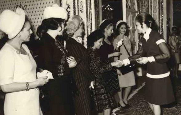 وقتی هتلهای شیراز پاسخگوی میهمانان فرح پهلوی نیست!