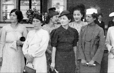 پوشش زنان ایرانی بعد از کشف حجاب چگونه بود؟