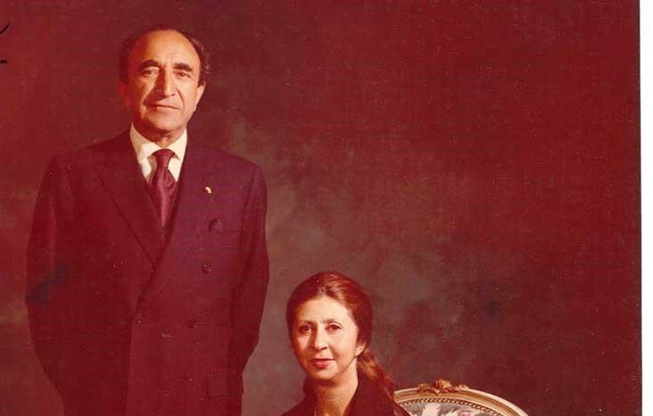 ملک تاج قوام همسر اسدالله علم ، در لباس عروسی