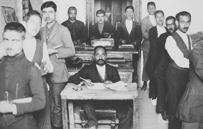 زدوبند مطبوعات درباری با مقامات پهلوی