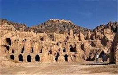 آثار باستانی سیستان توسط چه کسی کشف شد؟
