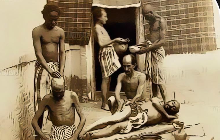 تصاویری از ماساژ مشتری در حمام ، در دوره قاجاریه