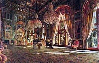 نقاشان بخشی از زیورآلات سلطنتی