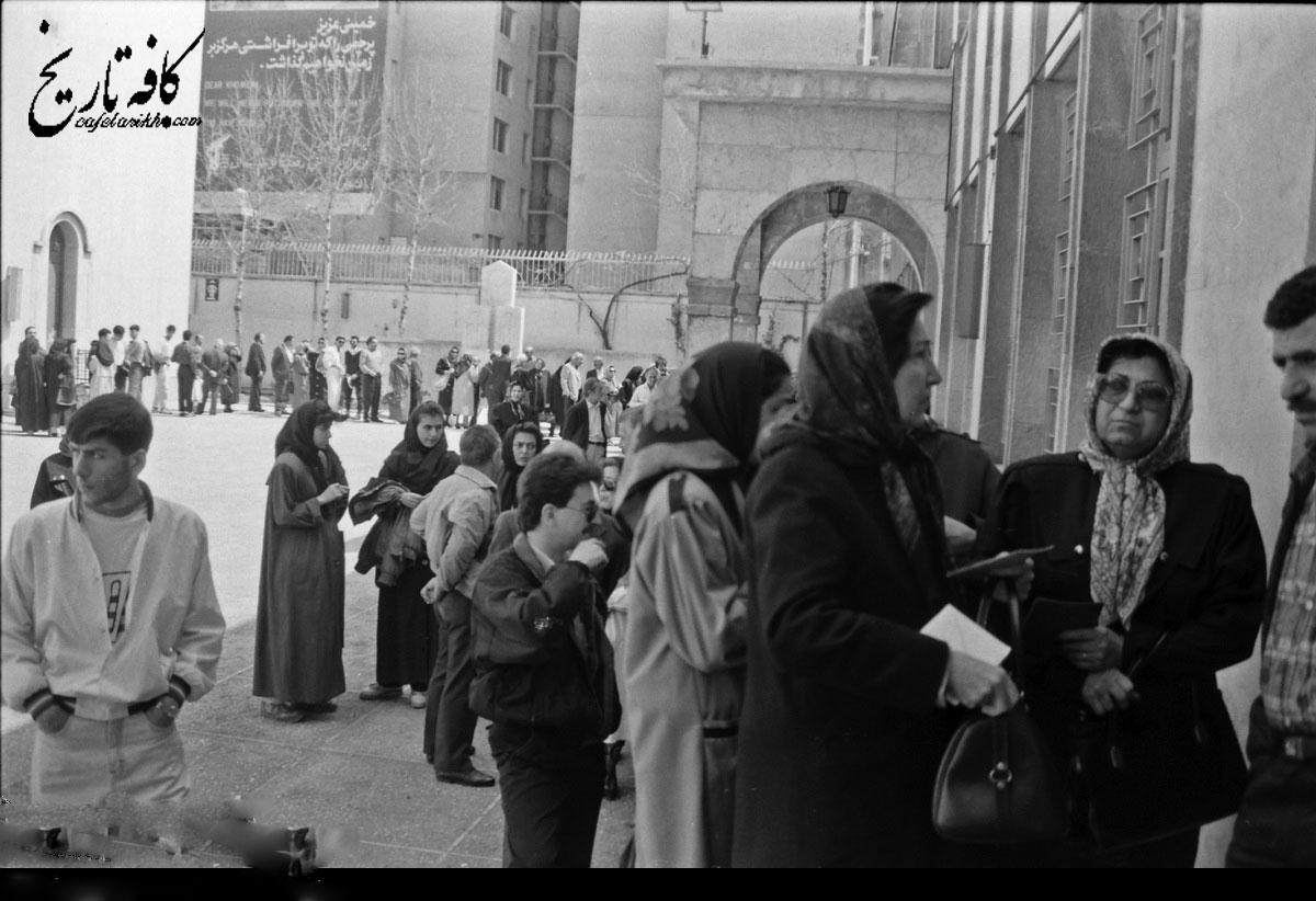 تصاویری خاطره انگیز از انتخابات ریاست جمهوری در ایران