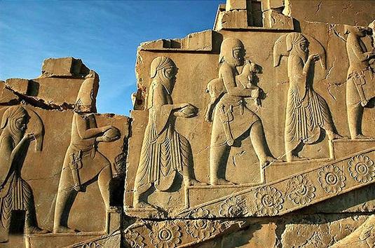 نظر ویل دورانت درباره حجاب ایرانیان باستان