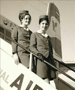 تصویری از اولین مهمانداران زن «ایران ایر» در دوران پهلوی