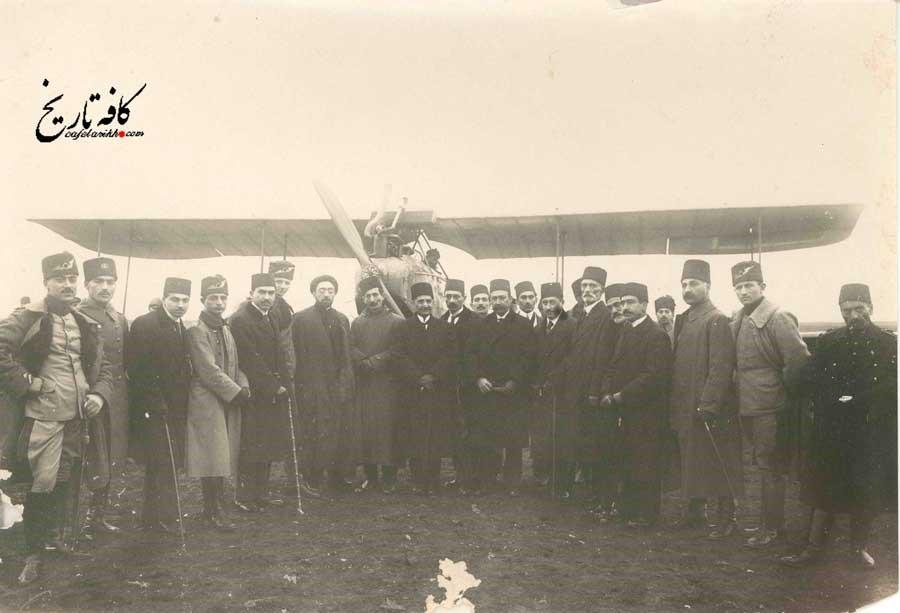 اولین گروه مهاجران ایرانی به کشورهای خارجی چه کسانی بودند؟