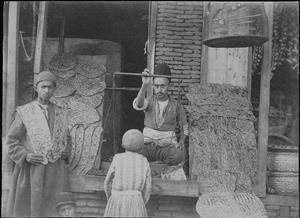 نانوایی سنگکی و بربری در تهران 120 سال پیش