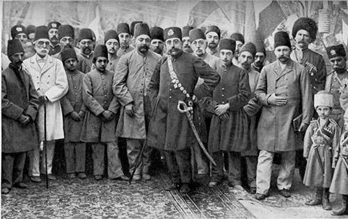 اقتدار جابرانه شاه در برابر اقتدار دینی عالمان دینی