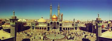 نمائی از گنبد و گلدسته و صحن حرم حضرت معصومه در دوره قاجاریه